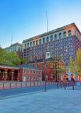 国会霍尔在费城在晚上 免版税库存照片