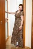 国内礼服空间常设妇女 库存照片