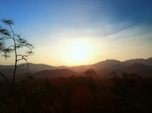 从国家公园的日落在泰国北部 库存照片
