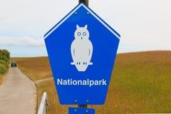 国家公园的标志在博尔库姆,德国海岛上的  库存图片