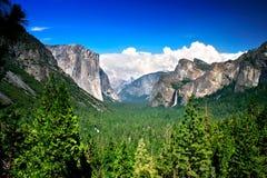 国家公园隧道视图优胜美地 库存照片