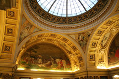 国家博物馆的被绘的曲拱 库存图片