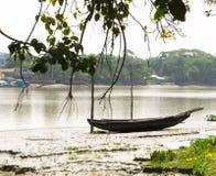 国家美丽的河岸命名了孟加拉国 免版税库存图片