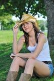 国家(地区)农村惊人的妇女年轻人 免版税库存图片