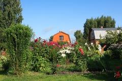 国家(地区)庭院房子 免版税库存照片