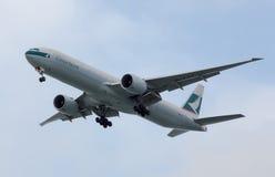 国泰波音777 库存照片