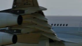 国泰空中客车A340着陆在成田 股票视频