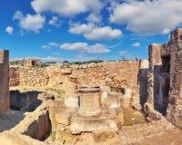 国王的坟茔,考古学博物馆在帕福斯市,塞浦路斯 免版税库存照片
