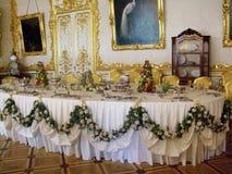 国王` s餐桌设置在宫殿 图库摄影