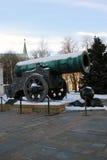 国王Cannon在克里姆林宫 三古炮炮弹 免版税库存图片