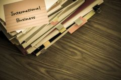 国际事务;堆在De的商业文件 库存照片