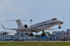 国际喷气机管理巴西航空工业公司ERJ-135 免版税库存图片