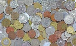 国际混杂的硬币 免版税库存照片