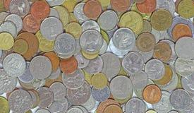 国际混杂的硬币 库存图片