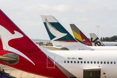国际航空器在机场 免版税库存图片