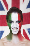 国际足球联合会的2014愉快的意大利支持者在意大利期间对英国 库存图片