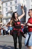 国际Flashmob天鲁埃达de Casino, 57个国家, 160个城市 数百个人跳舞在Mai的西班牙节奏 免版税库存图片