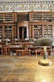 图书馆研究桌在那不勒斯 免版税库存照片