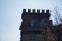 图书馆,纳维廖河畔罗贝科,米兰省,意大利, 2018年3月13日:老图书馆在意大利,象城堡 免版税库存图片