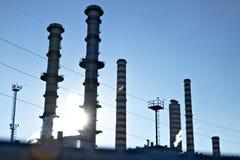 图尔比戈 ?? 伦巴第 E 2019?3?24? 能源厂的烟囱 免版税库存照片