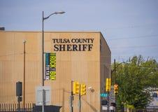 图尔萨县警长大厦-土尔沙-街市俄克拉何马- 2017年10月17日 免版税库存图片