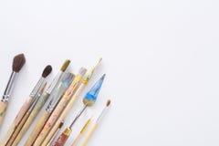 绘图工具,套在行的肮脏的画笔 库存照片