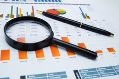 图座标图纸 财政发展,银行帐户,统计,投资分析研究数据经济 免版税库存图片