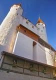 图恩城堡门面在瑞士 免版税库存图片