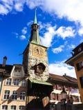 索洛图恩钟楼-与传说上有名时钟和最旧的建筑在整个镇,索洛图恩,瑞士,欧洲 免版税库存照片