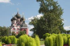 图标夫人我们的寺庙tihvinskaya 免版税库存图片