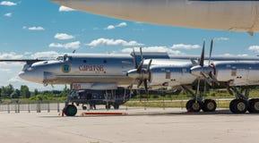 图波列夫图-95是俄国四引擎的涡轮螺旋桨发动机动力的战略轰炸机 免版税图库摄影