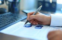 图表和图特写镜头  免版税库存照片