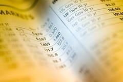 图表报纸股票 免版税库存图片