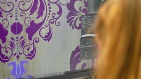 图表节目接口,画图程序,设计师在计算机上画 股票录像
