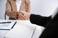 图象商人握手 企业合作会议succ 免版税库存图片