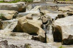 图象美好与岩石的小河在泰国 库存图片
