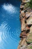 图象8489游泳池和庭院 免版税库存图片