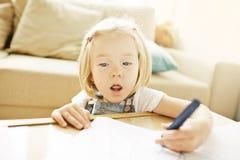 图画女孩 免版税图库摄影