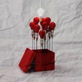 图画想法在箱子之外的铅笔和电灯泡概念作为哥斯达黎加 库存照片