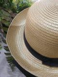 圆充满的帽子 柳条编织的帽子 工艺品 免版税库存图片