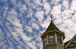 圆屋顶高天空 库存图片