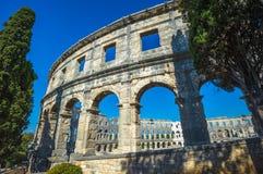 圆形剧场古老克罗地亚目的地著名普拉罗马游人 联合国科教文组织站点 库存图片
