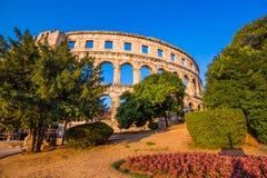 圆形剧场古老克罗地亚目的地著名普拉罗马游人 免版税图库摄影