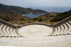 圆形剧场海滩希腊ios milopotas 库存照片