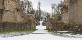 圆形剧场由罗马军团的士兵安装据推测 免版税库存图片