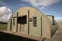 圆形小屋-有具体末端的波纹状的屋顶 库存图片