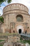 圆形建筑的罗马寺庙在市的中心塞萨罗尼基,中马其顿,希腊 免版税库存照片