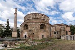 圆形建筑的罗马寺庙在市的中心塞萨罗尼基,中马其顿,希腊 库存照片