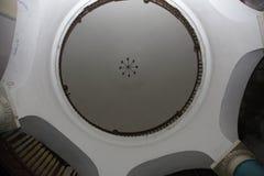 圆形建筑的圣彼德堡 一个历史建筑的建筑学和细节的片段 库存照片