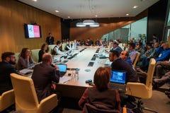 圆桌会议的人们 图库摄影